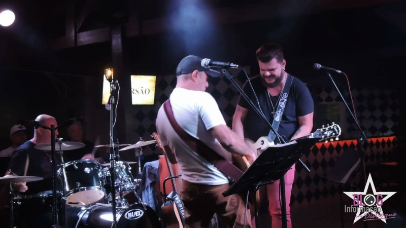 The Brothers animando a noite